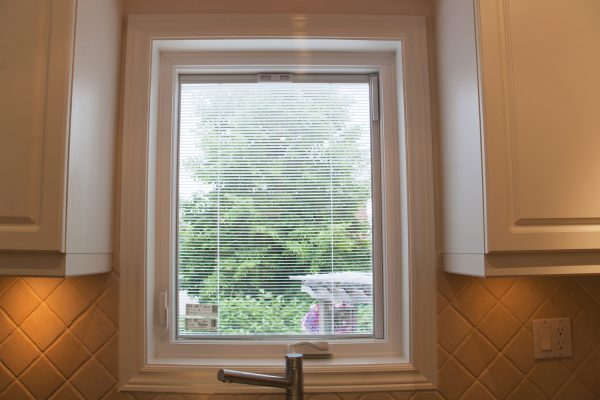 Heritage Maximum window with interior blinds